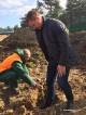 """Кметът посади първата фиданка за залесяването на парк """"Борова гора"""""""