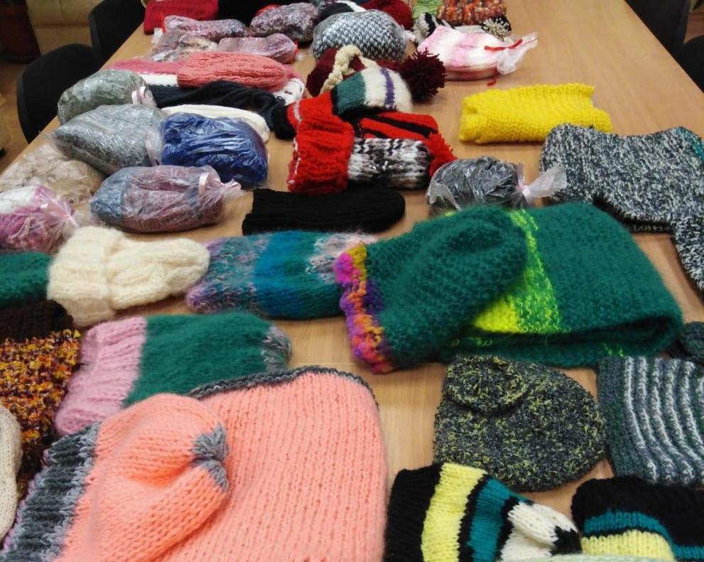 "Десетки старозагорци подариха топлина на бездомните хора в инициативата ""Изплети топлина"""
